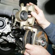 Changement plaquettes et disques des freins